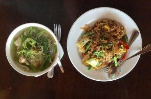 Zápisky protivného hosta: Thajské Our Cafe se přesouvá do food trucku. Bude stát u metra v Karlíně