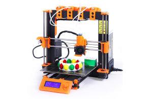 Jak vybrat 3D tiskárnu: Čínská stavebnice přijde na čtyři tisíce, kvalita stojí asi třicet
