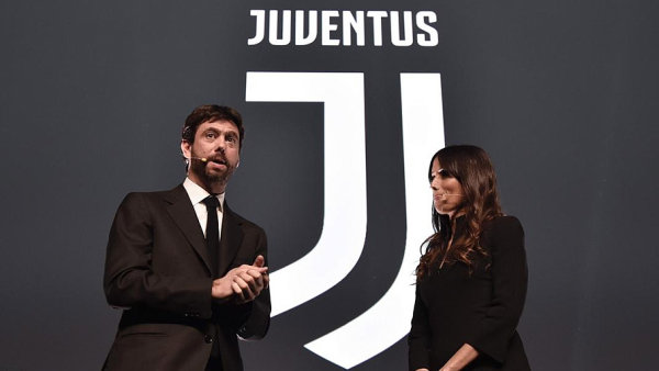 Slavnostní představení loga Juventus 16. ledna 2017