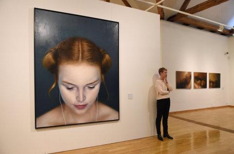 Na snímku z výstavy je dílo Michala Ožibka nazvané iDeath 2 z roku 2010.