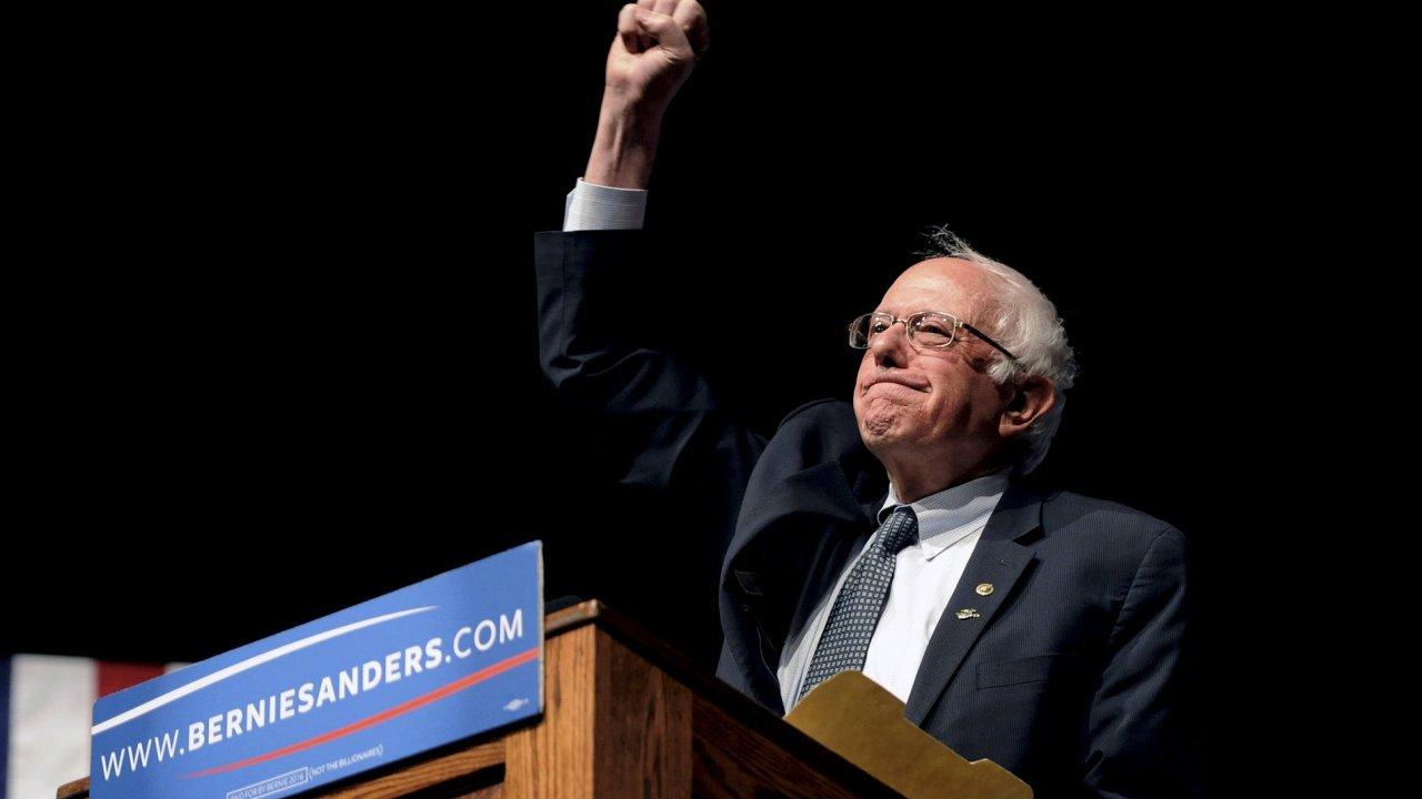 Bernie Sanders vyhrál demorkatické primárky ve Wisconsinu