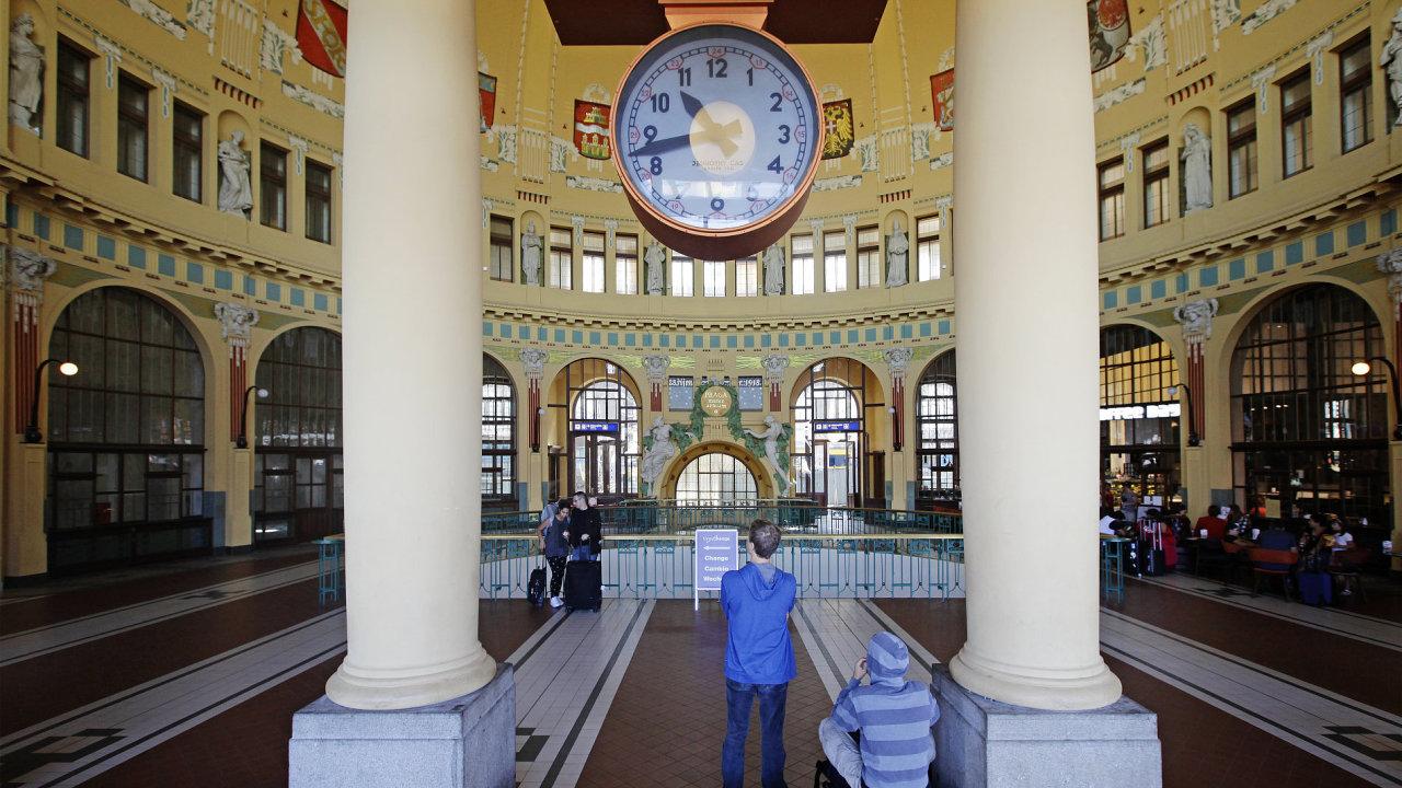 Hlavní nádraží, Praha, české dráhy, vlaky, nádraží