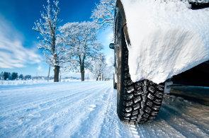 Zimní pneumatiky v testu: vyplatí se obout ty značkové