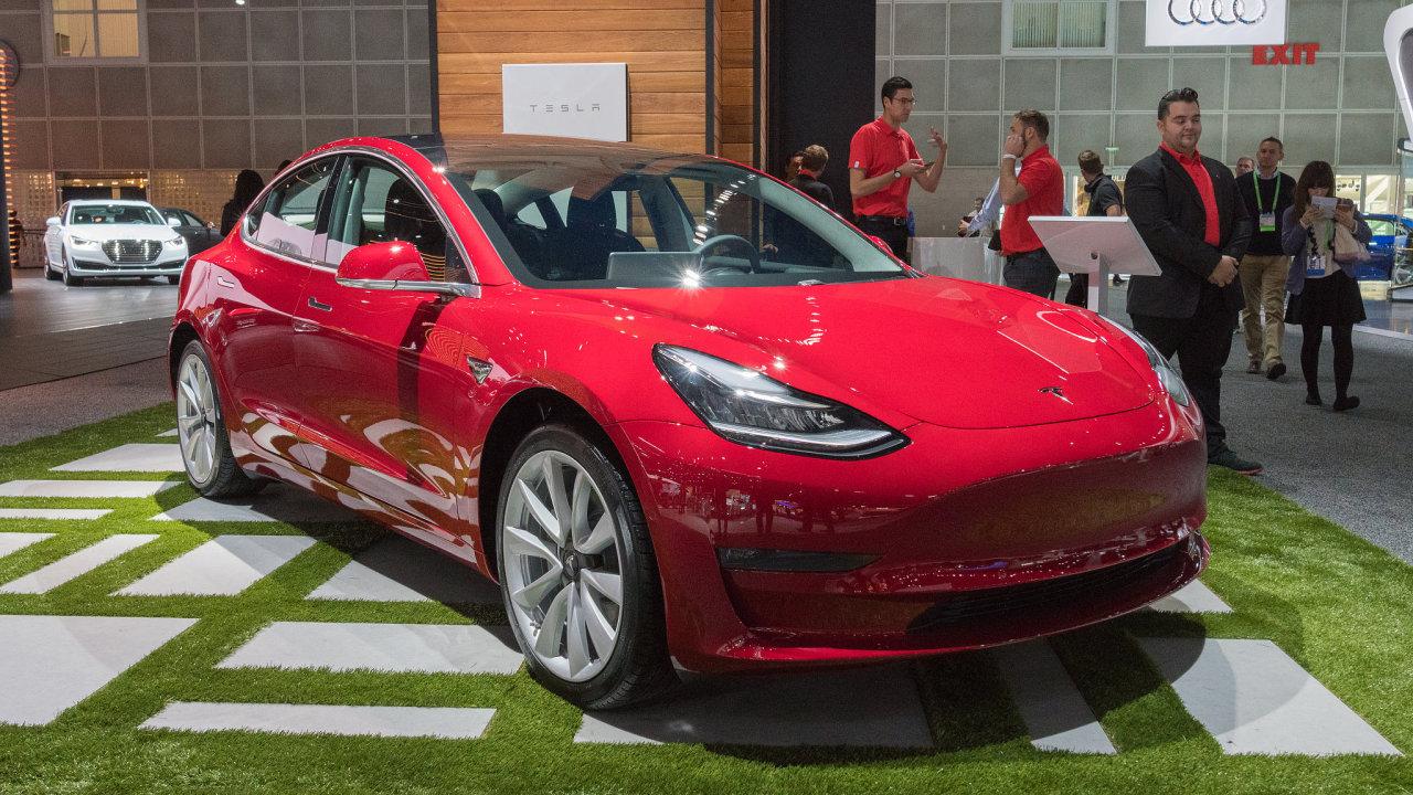 Majitelé vozů Tesla si stěžují na zamrzlé kliky - Ilustrační foto.