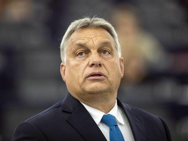 Viktor Orbán: Pro Maďary hrdina, který vyvedl zemi z krize, pro Evropský parlament narušitel demokracie.