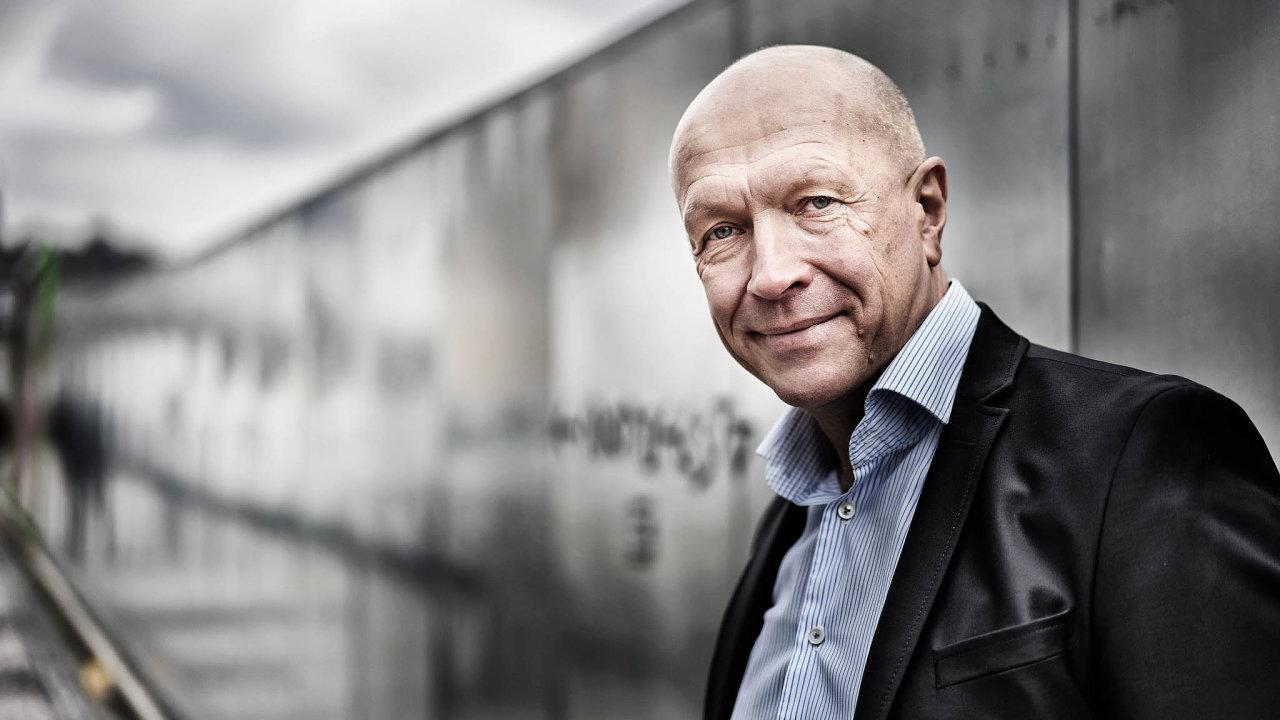 Pavel Kysilka, ekonom apublicista