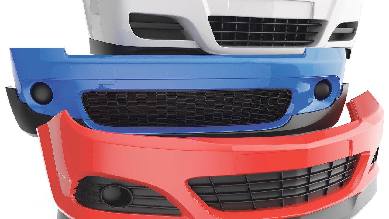 Jedním zhlavních požadavků automobilek pro vývoj nových komponentů je, aby byly co nejlehčí, včemž pomáhá právě nahrazování kovů plasty.