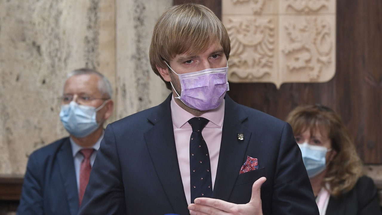 Až se někomu vývoj vakcíny podaří, zájem oni bude podle ministra Vojtěcha obrovský.