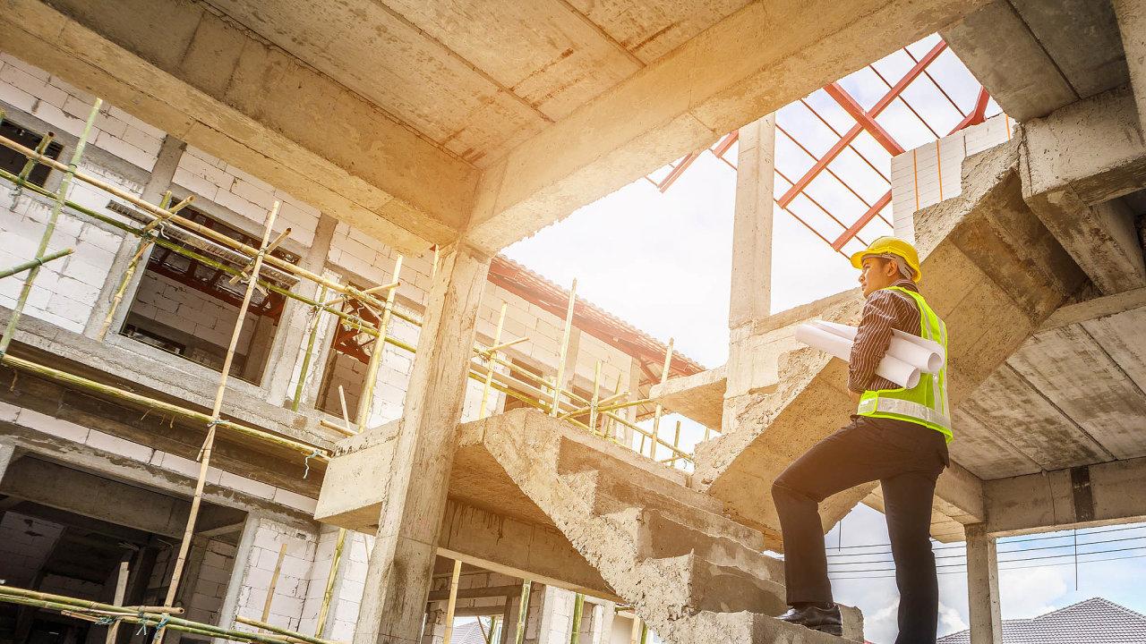 VČesku se dokonce července začalo stavět celkem 6051 bytů vbytových domech. To je meziročně o11,7 procenta méně.