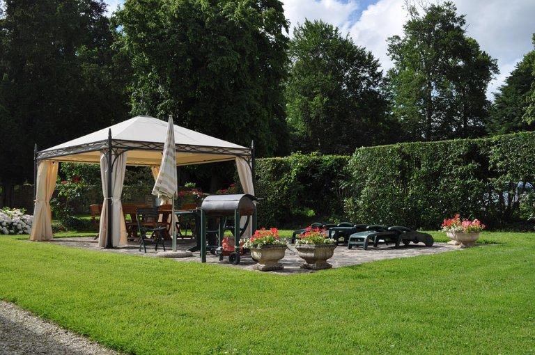 Zvelebte si zahradu krásným altánkem!