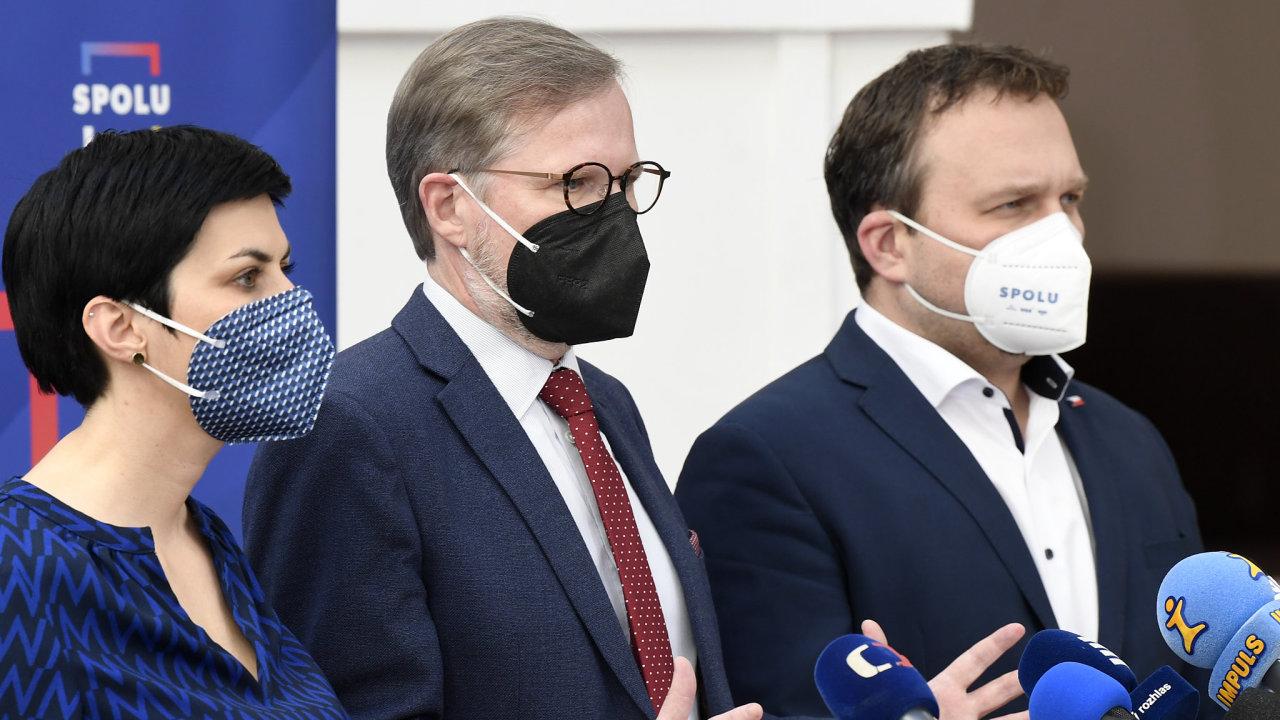SPD a KSČM žádat o podpisy nechci, trvá na svém předseda KDU-ČSL Marian Jurečka. Voliči chtějí pád Babišovy vlády, zajímá je výsledek. A ne to, kdo komu co podepíše, zaznívá naopak z ODS.