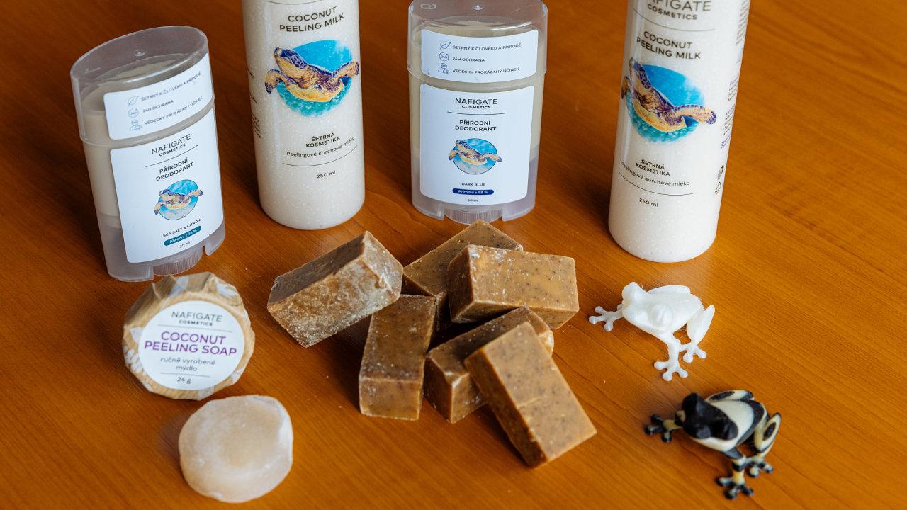 Kosmetické výrobky společnosti Nafigate Corporation, které obsahují látku z použitého fritovacího oleje a kávové sedliny.