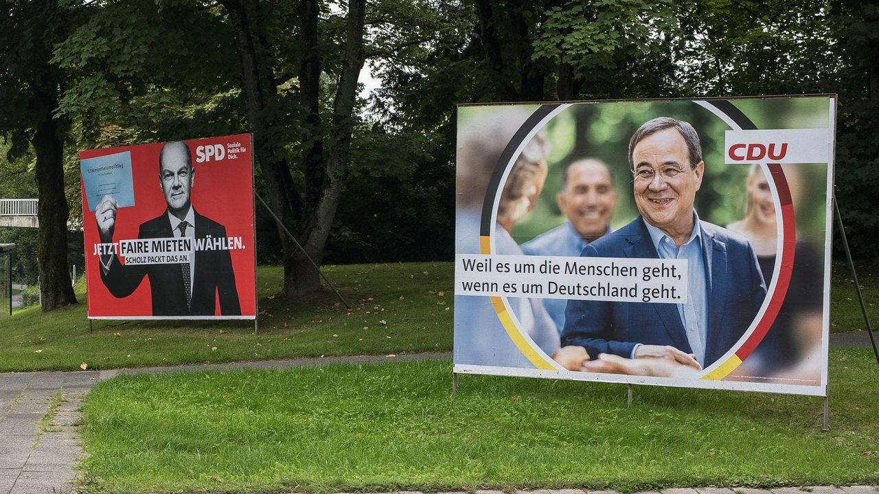 Bude mít Německo nadále konzervativního šéfa vlády, nebo se do kancléřství nastěhuje sociální demokrat Olaf Scholz?