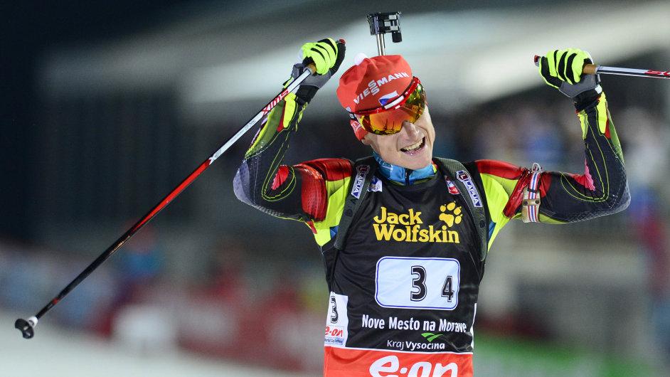 Ondřej Moravec přivezl českou štafetu do cíle na 3. místě