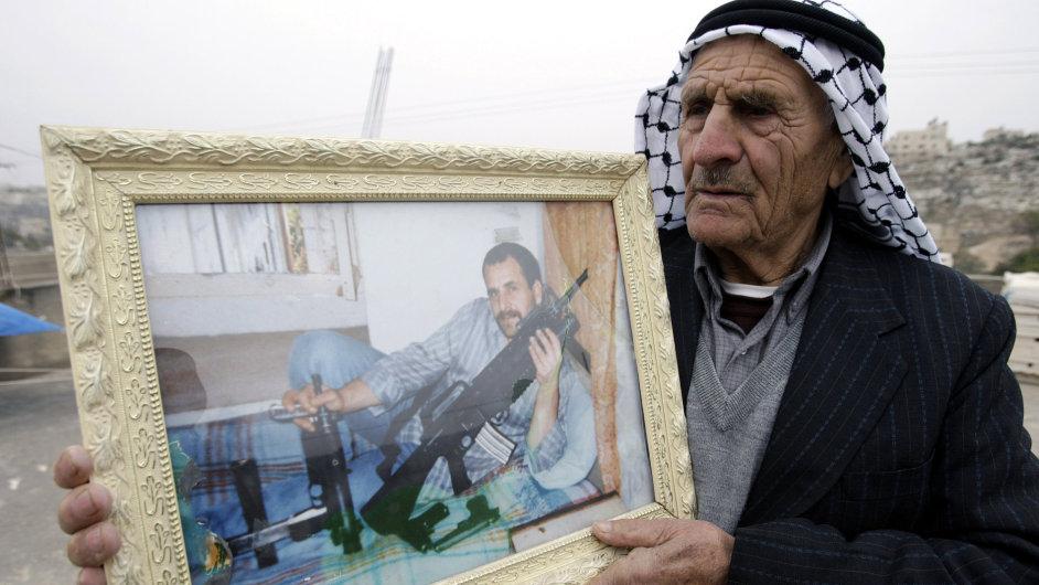 Palestinský otec očekává návrat syna z izraelského vězení.