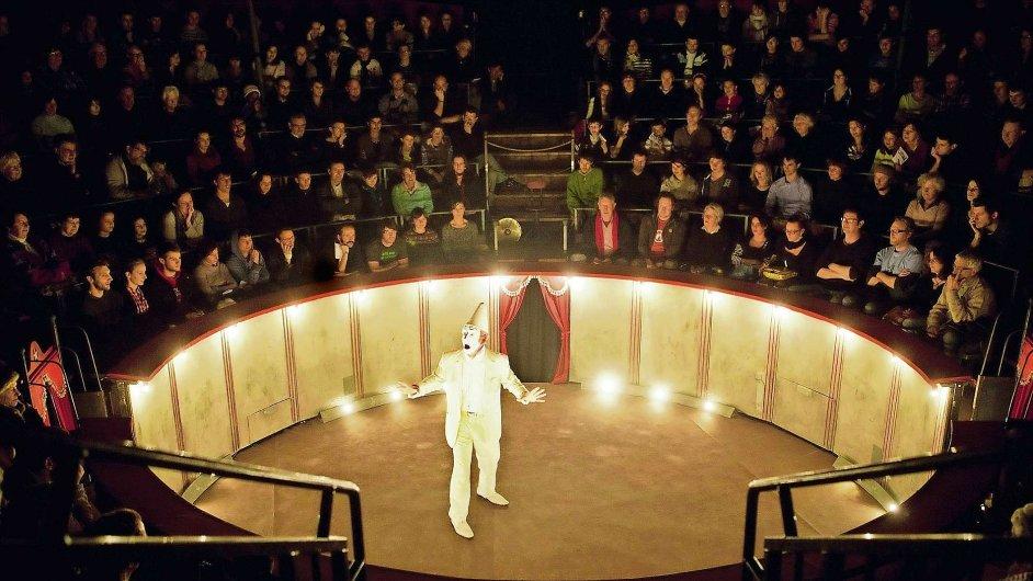 Francouzští Cirk Trottola letos přijíždějí s novým představením Matamore.
