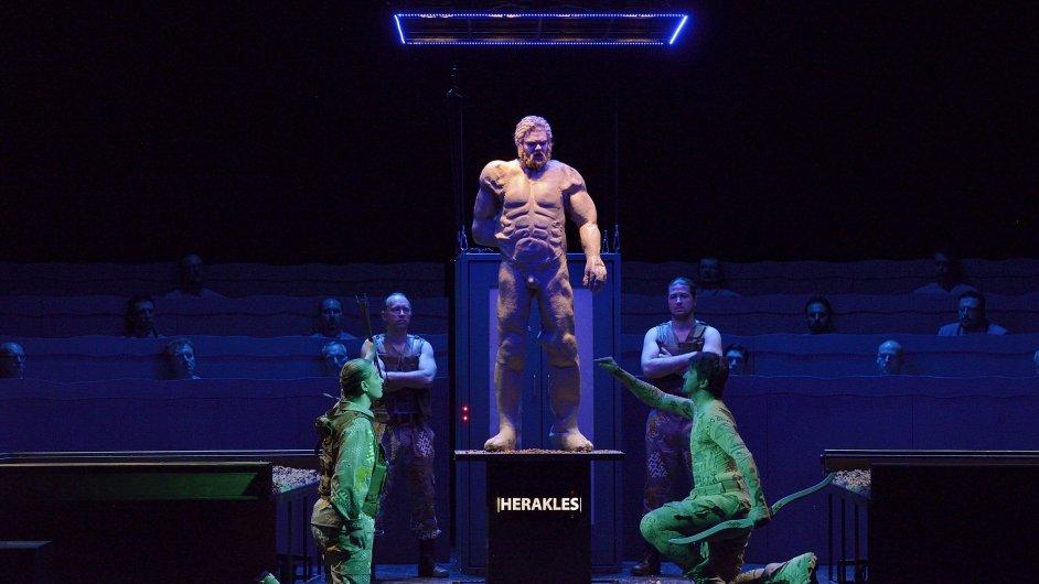 Snímky z opery Jana Klusáka Filoktétés