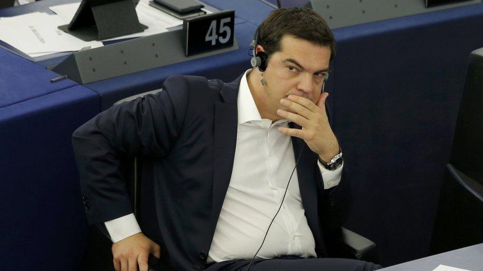 Řecký premiér Tsipras v Evropském parlamentu prohlásil, že řecký problém je projevem neschopnosti eurozóny řešit dluhovou krizi.