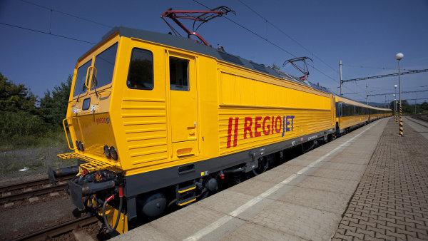 Vlaky RegioJet na slovenské lince mezi Bratislavou a Banskou Bystricou v loňském roce přepravily půl milionu lidí - Ilustrační foto.