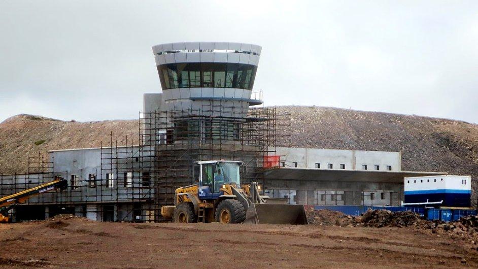 Rozestavěný terminál letiště na ostrově Svatá Helena, do kterého místní vláda vkládá velké naděje.