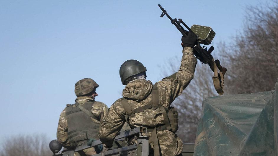 Ukrajinský parlament vypověděl vojenské dohody s Ruskem - Ilustrační foto.