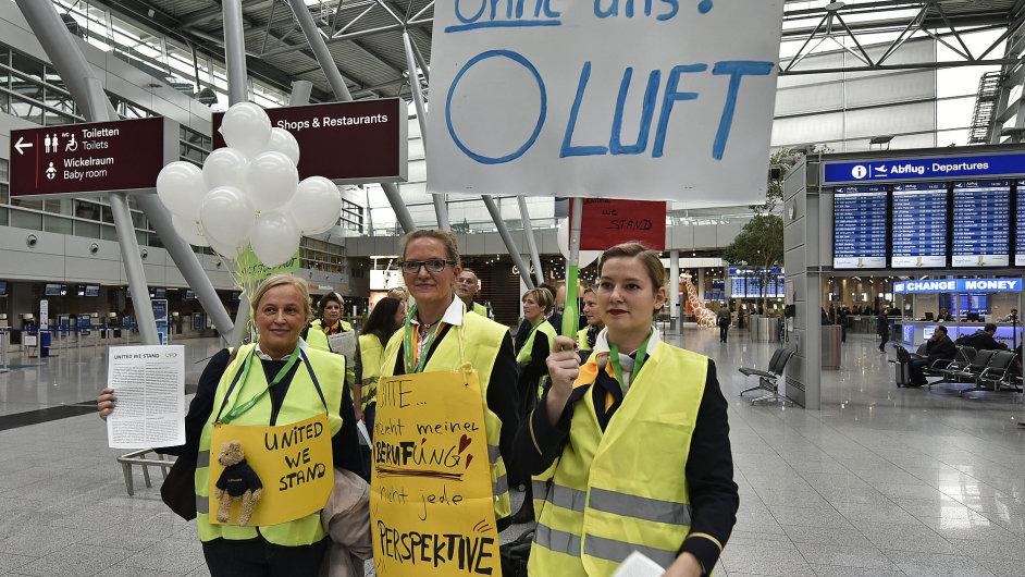Letušky společnosti Lufthansa stávkují, teď jim to ale zakázal německý soud.