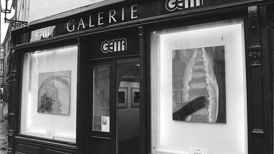 Galerie Gema do roku 1999 sídlila v přízemních prostorách dominikánského kláštera v Husově ulici na Starém Městě.