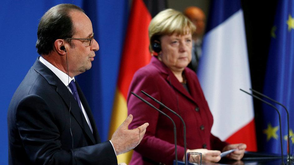 François Hollande s Angelou Merkelovou na berlínské schůzce kritizovali ruského prezidenta Putina.