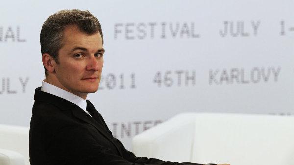 Na archivním snímku z roku 2011 je umělecký ředitel karlovarského filmového festivalu Karel Och.