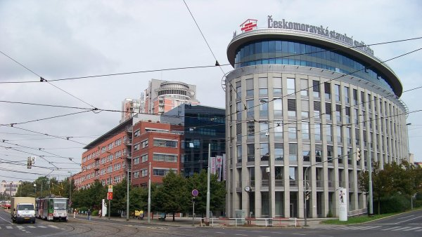 Primu čeká stěhování do budovy Vinice, kde měl dříve centrálu operátor Vodafone. Je v sousedství sídla Českomoravské stavební spořitelny (na snímku vpravo).