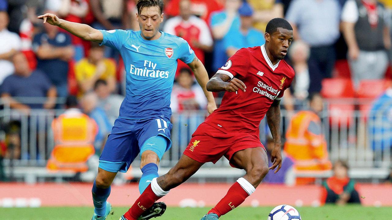 Dvě desítky klubů nejvyšší anglické fotbalové ligy utrží za prodej reklamy na dresech ve stávající sezoně až 300 milionů liber.