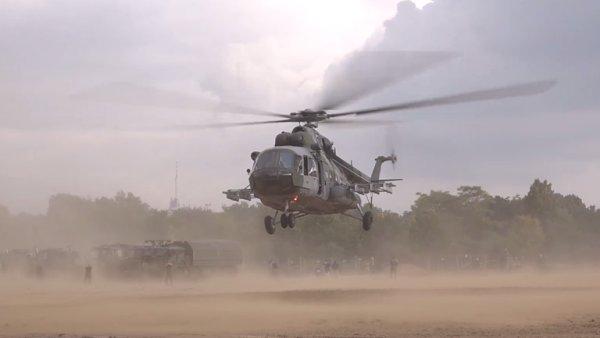 Letnou obsadily vrtulníky. Armáda ukázala vše, co má.