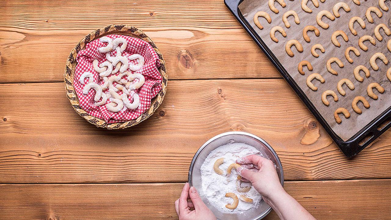 Upečte si vanilkové rohlíčky podle pekařky a cukrářky Pavly Stoklasové.