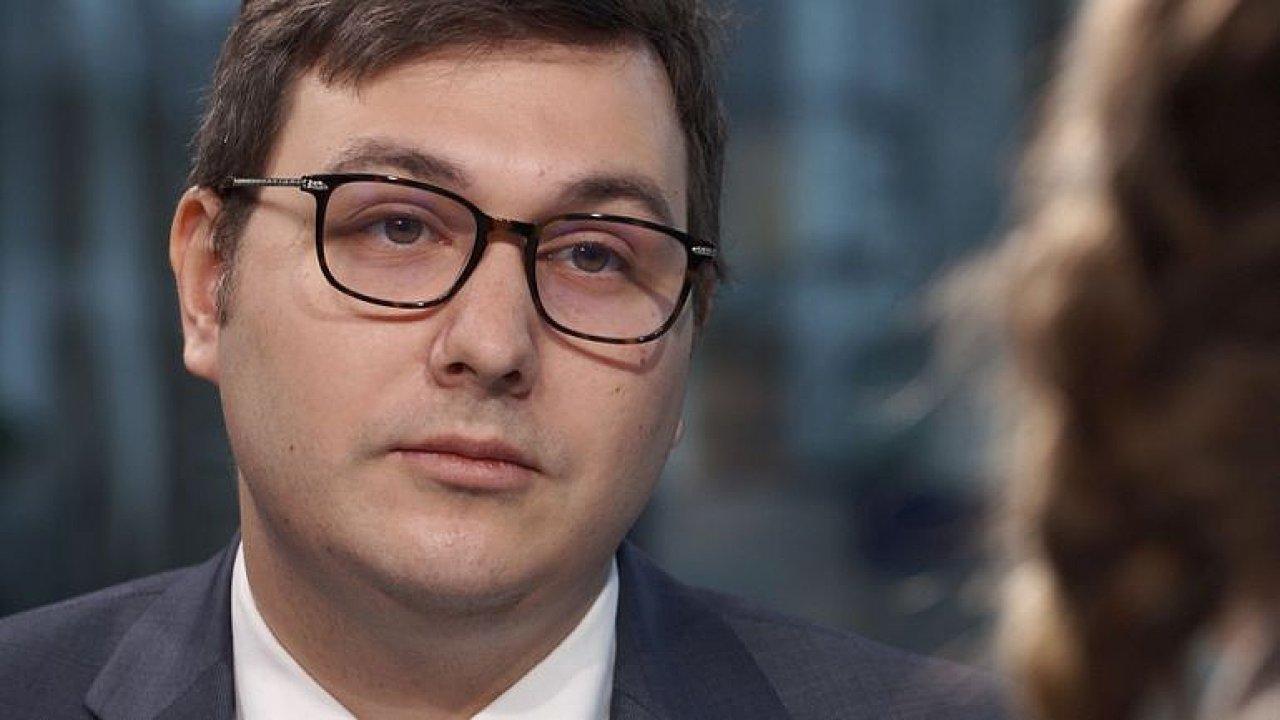 Andrej Babiš ohrožuje i ostatní podnikatele, je v hrubém střetu zájmů, říká Lipavský.