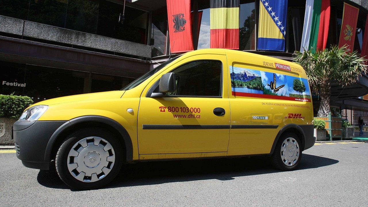 DHL letos dopraví na filmový festival do Karlových Varů kolem 120 filmů