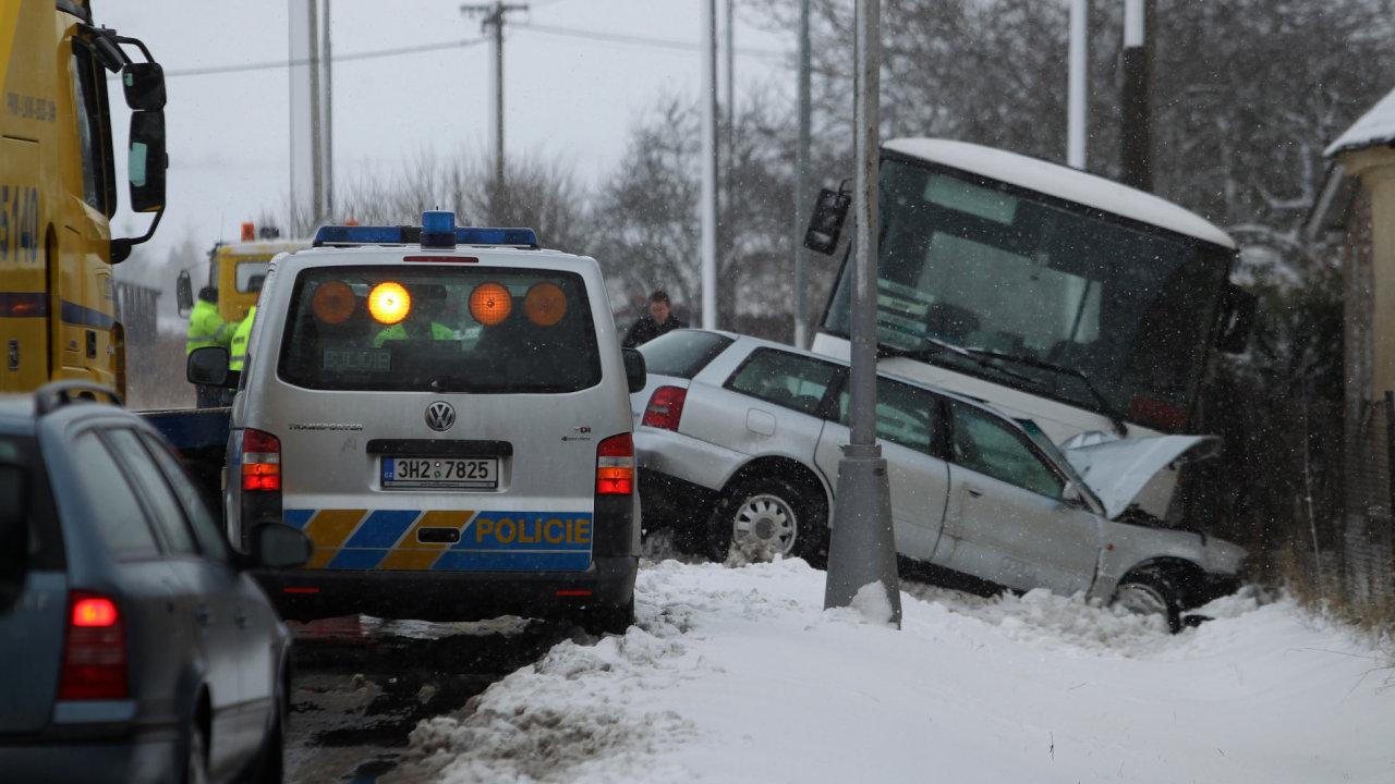 Nehoda na sněhu, ilustrační foto