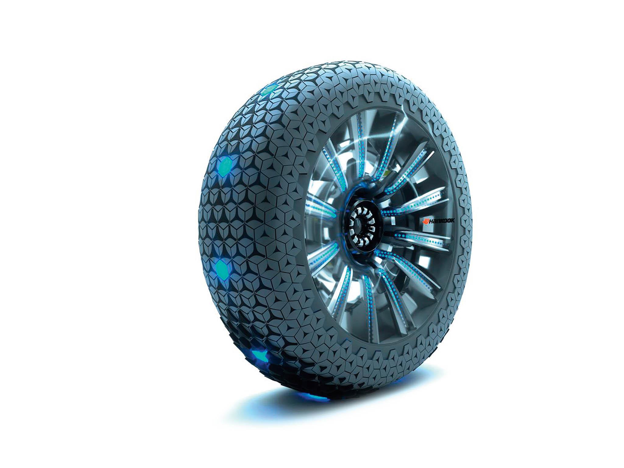 Systém Hexonicje primárně určený pro automobily bezřidiče. Povrch kola se automaticky mění podle povrchu vozovky.
