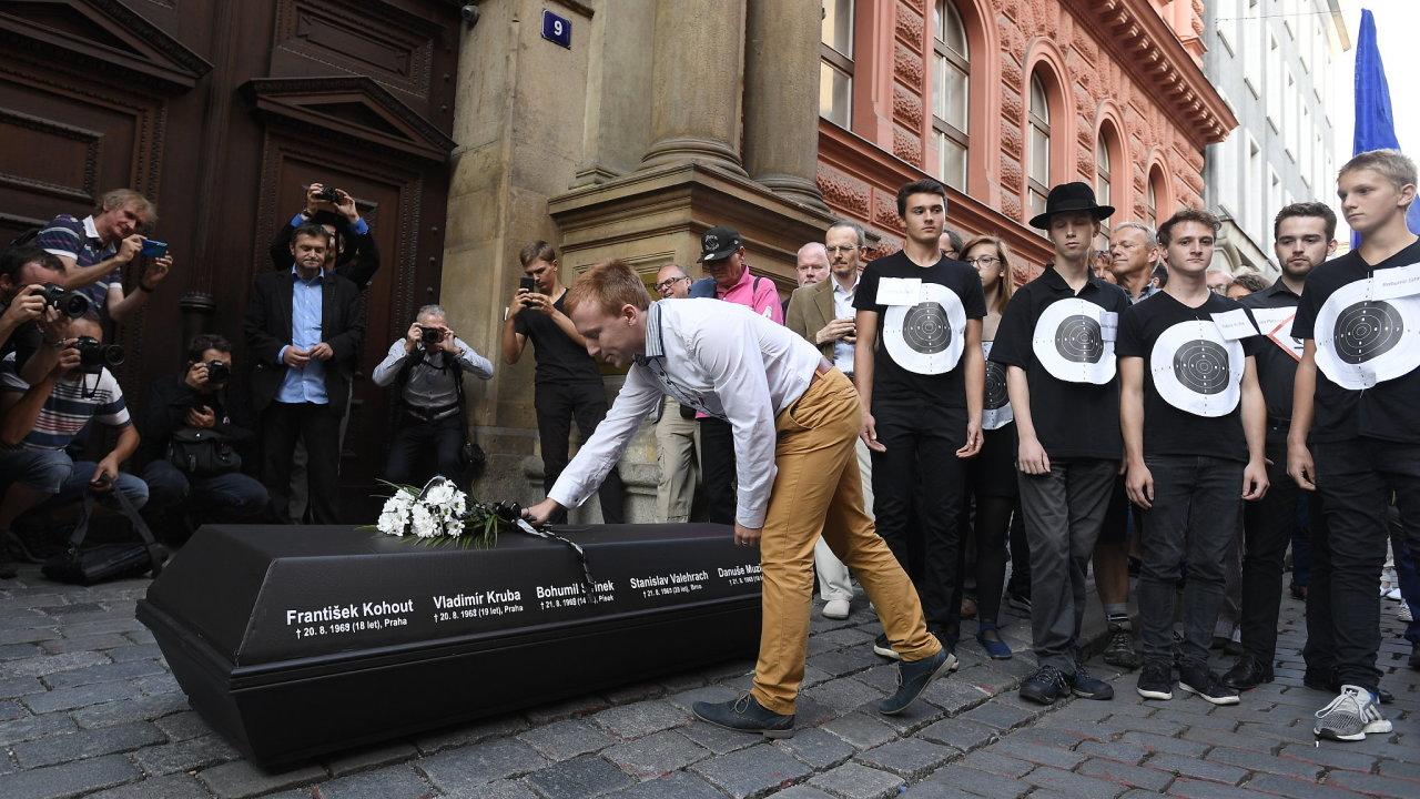 Pochod, Praha, okupace, srpen