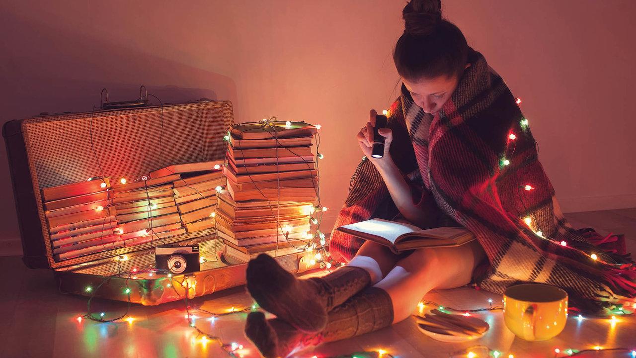 Stříbrné disky končí, knihy žijí dál
