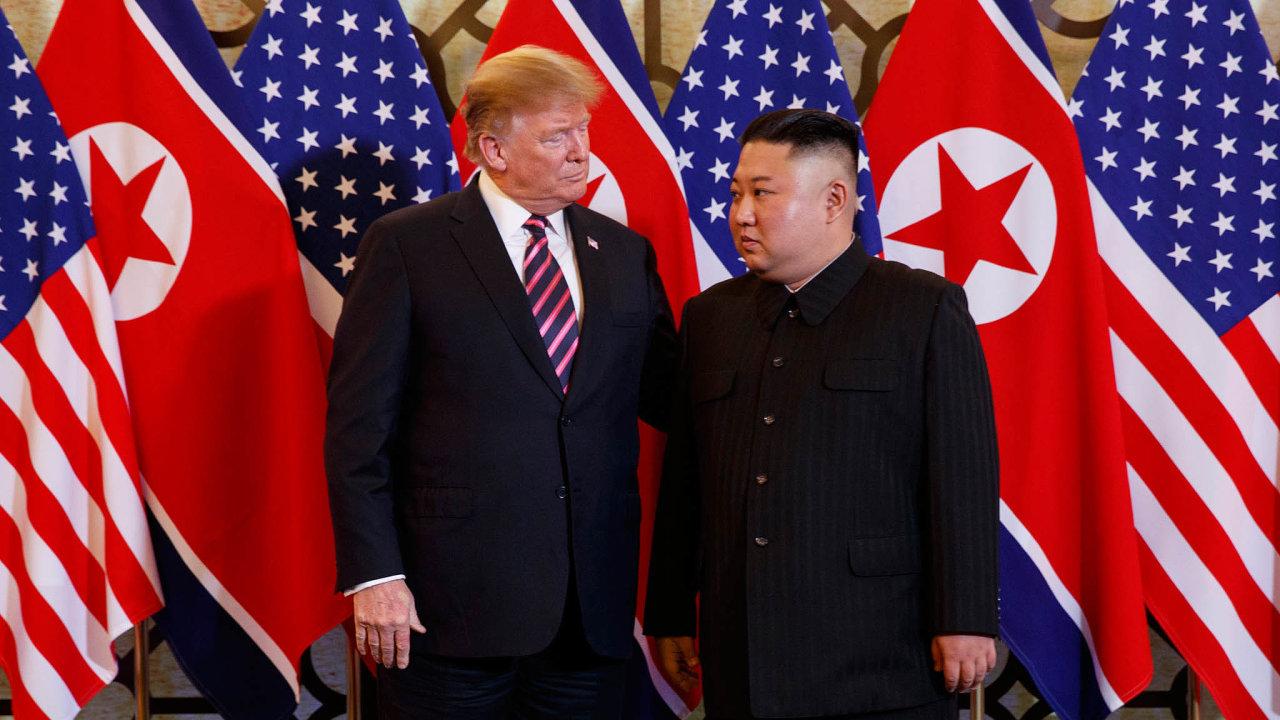 Před dnešním jednáním amerického prezidenta Donalda Trumpa avůdce KLDR Kim Čong-una veVietnamu sílily spekulace otom, že by mohli vyhlásit konec korejské války.