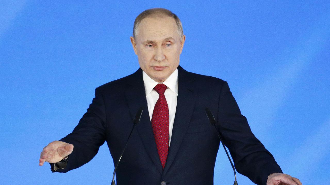 Pod kontrolou. Poté co bude muset Putin skončit včele Ruska, stejně bude chtít mít inadále řízení státu vesvých rukou.