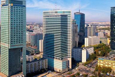 Mezi kancelářskými budovami, které vPolsku koupila CPI Property Group, je iprestižní Warsaw Financial Center. Ve32 patrech nabízí 50 tisíc metrů čtverečních administrativních ploch.