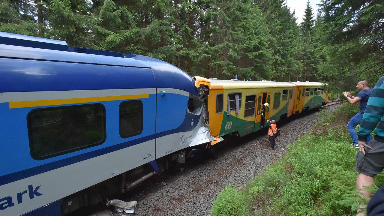 Správa železnic vreakci nanehody navedlejších tratích chystá idalší změny, které mají lépe zabezpečit české koleje ještě před nástupem ETCS.