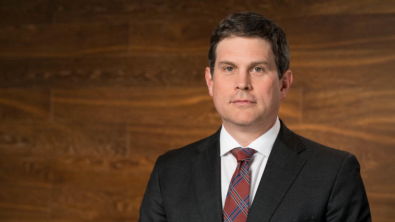 Investoři se připravují naBidena: James Sweeney působí jako hlavní ekonom ainvestiční ředitel Credit Suisse vNew Yorku. Bidenova převaha vpředvolebních průzkumech podle něj uklidnila trhy.