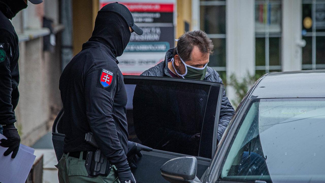 Při říjnové razii našpičky slovenské justice policisté obvinili itamního soudce Nejvyššího soudu Jozefa Kolcuna zkorupce.