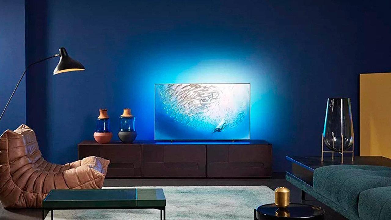 Radost napohled.Nahraní sice Philips 805 není úplně ideální, ale nasledování filmů aseriálů vpříjemné večerní atmosféře se lepší televize bude hledat těžko. Cena ovšem odpovídá kvalitě.