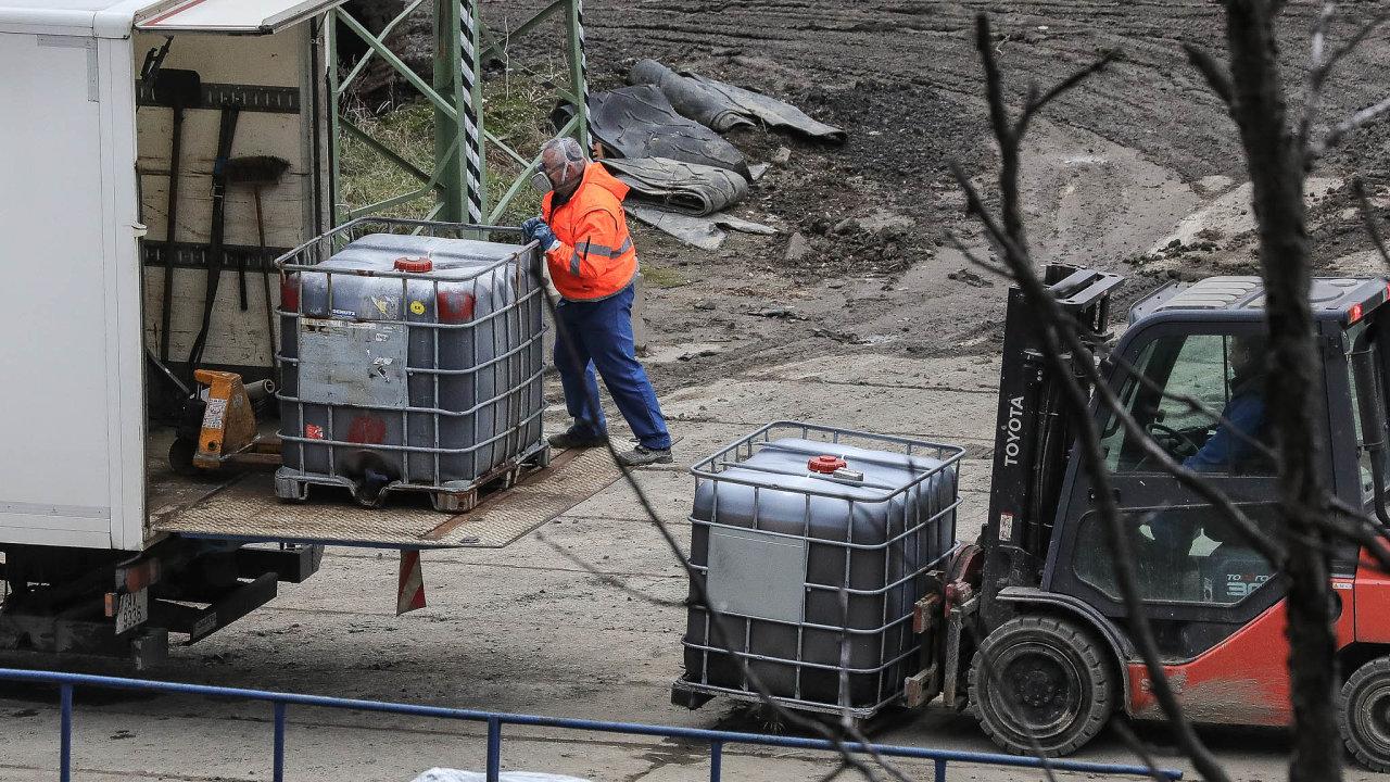 Inspekce životního prostředí nyní vespolečnosti Purum provádí kontrolu achystá další přezkum podmínek povolení kprovozu zařízení vHamru naJezeře. Dobudoucna chce snížit riziko opakování havárie.
