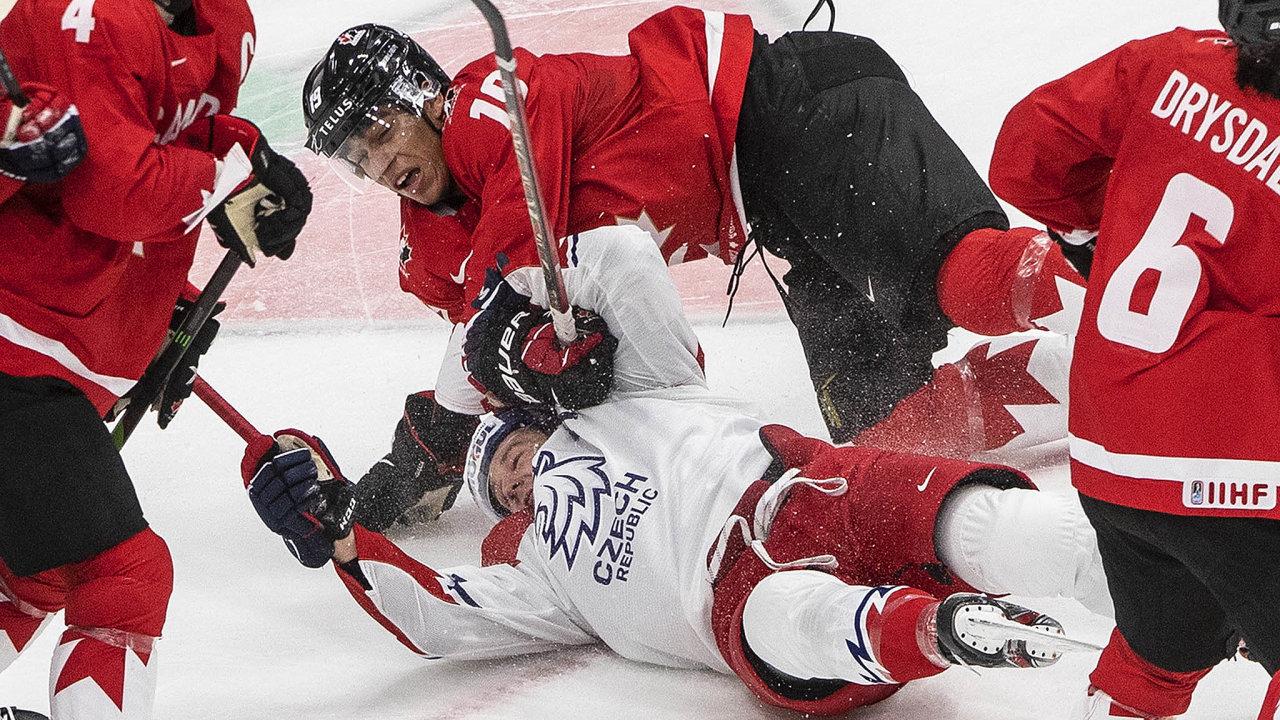 Čekání nacenný kov zjuniorského mistrovství světa pokračuje. Letos české hokejisty srazila večtvrtfinále Kanada. Poslední medaili přivezli čeští mladíci vroce 2005.