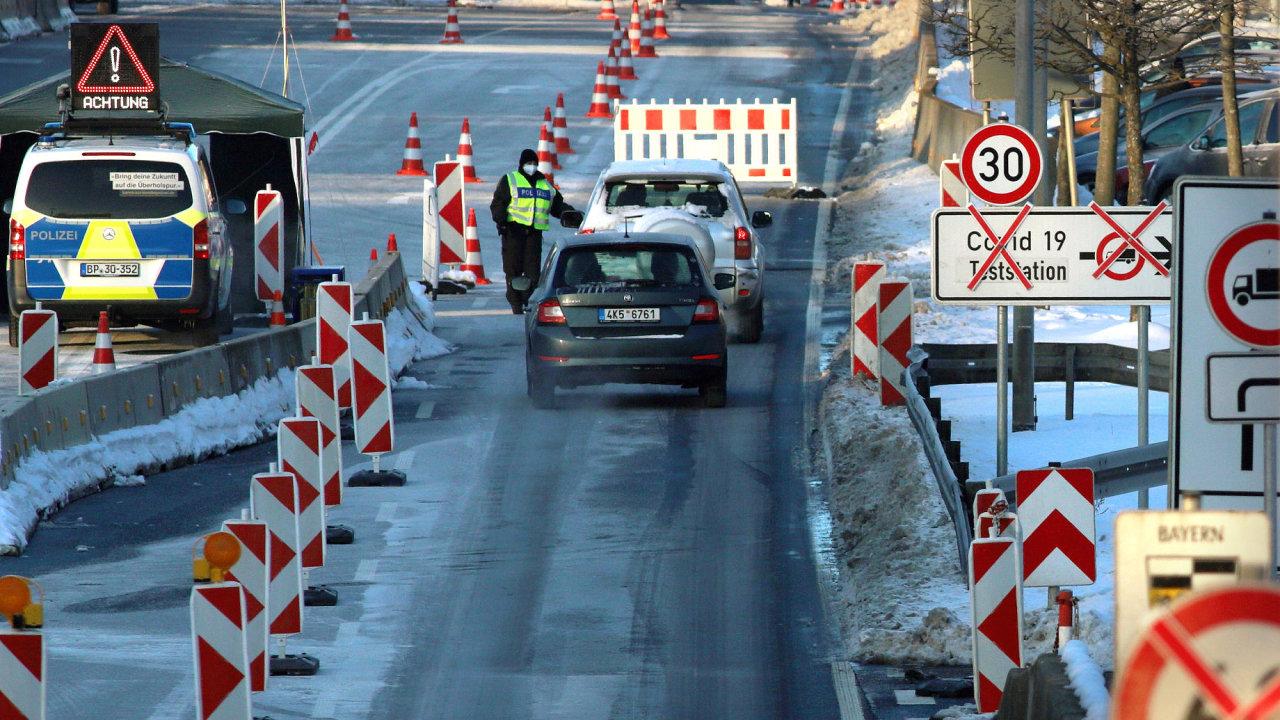 Uzavřená německá hranice na hraničním přechodu Pomezí nad Ohří - Tirchenreuth do Bavorska kvůli šířící se nákaze covidu