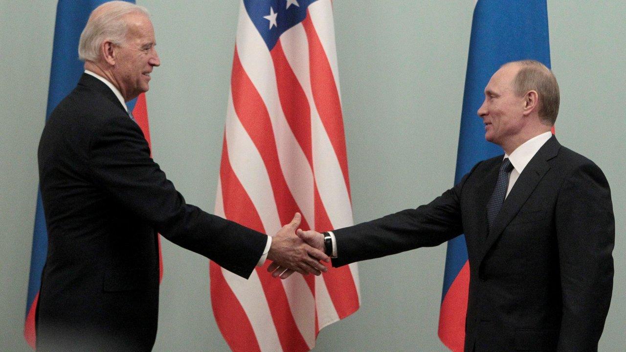 Biden se s Putinem sešel naposledy ještě jako viceprezident, s jeho nástupem do Bílého domu se ale vztahy USA s Ruskem vyostřily.